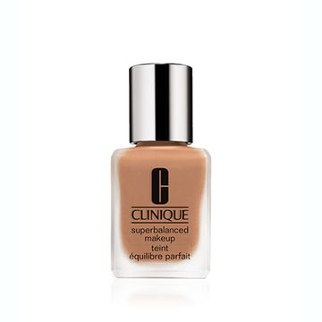 clinique-superbalanced-fdt-sand--21146-c40-555_1